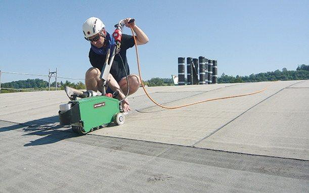 אספקה טכנית מכונת לייסטר - פועל שכובד 5